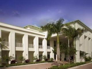 1 Bedroom Condo Steps Away From Doral Miami`s Five Courses. 5300NW87A-B