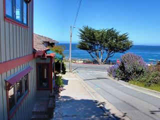 Just steps to miles of oceanfront walking and biking trails.