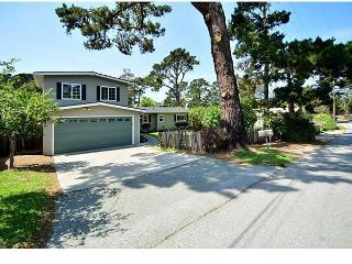 3648 Seaside Sanctuary in the Pines ~ Walk to the Beach! Beautiful Design!