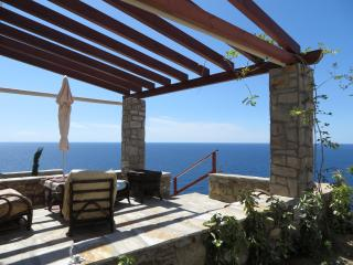 Villa Nafkrati - Luxury Sea View Maisonette- 125m2, Ikaria