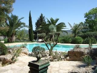 Superb Secluded 3 Bed Villa with Pool & Gardens, Roujan