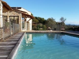 LARGE LUXURIOUS VILLA: POOL, GYM, SAUNA, JACUZZI, Tourrettes-sur-Loup