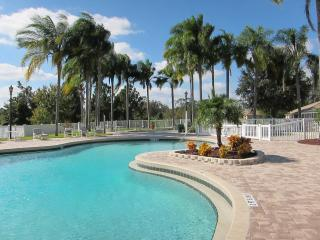 Delightful Two Bedroom Villa for Golf or Legoland, Poinciana