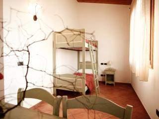 Two rooms apartment type B for five person, a few km from the sea