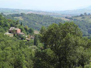 Villa La Quercia d'oro near Frasassi Caves