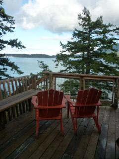 Isle Dream - Large wrap around deck with views that stretch forever