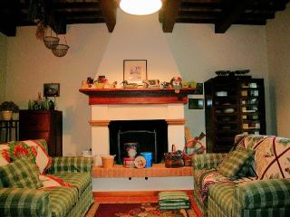 SIGNOROTTO + GUASCONE your tuscan accomodations, Palaia