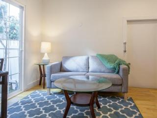LAD20 - One bedroom in West Hollywood