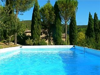 Original Stone House, Amazing View, Garden, Pool
