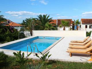 Bright, With Shared Pool, Terrace, Close To Beach