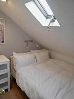 Cosy bedroom with double bed, all bedding and linen provided