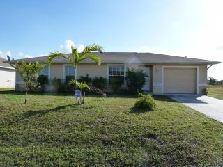 Villa Susan - cozy home in central location, beautiful furnished!, Lehigh Acres