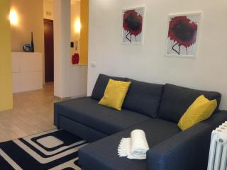 Modern & Cozy Apt in Rome 15 min to Colosseum, Roma