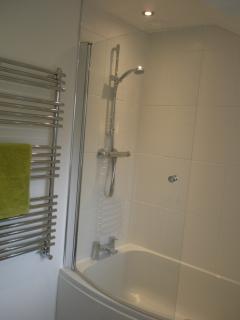 Bath/shower