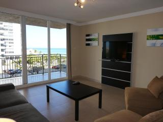 2080 OCEANFRONT ON THE BEACH 2/2 BDR ON 4TH FL, Hallandale