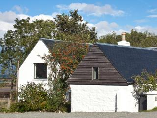 House and adjacent bothy have a total of 4 bedrooms sleeping 8 and are walking distance from village