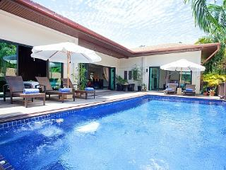 Villa Ploi Jantra - 5 Bed - Huge Holiday Home with Staff, Kata Beach