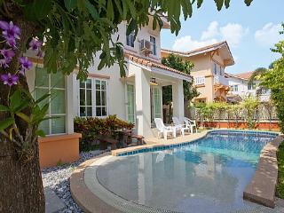 Villa Bliss Jomtien, Bang Lamung