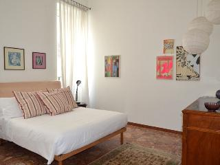 What a location! Spanish Steps Sistina Apartment