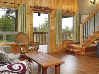 Beautiful 2 bedroom #4 cabin suite, Ucluelet