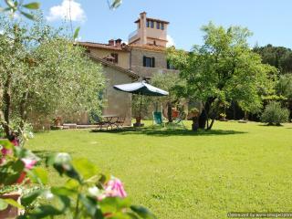 Il Lupino Ville di Corsano cottage rental