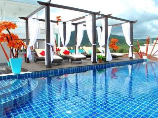 Very nice with a beautiful terrace in the beautifu, Nai Harn