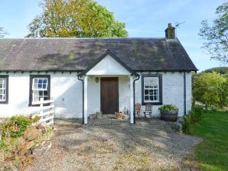 HOLMFOOT COTTAGE, pet-friendly cottage  with en-suite faciltiies, traditional decor, ground floor cottage near Canonbie, Ref. 905937