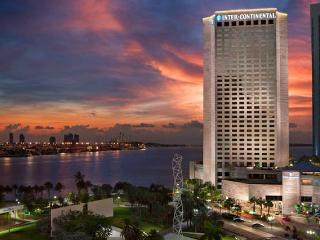 5 STAR STUNNING STUDIO + HOTEL AMENITIES -   40% OFF HOTEL PRICE NEARBY, Miami