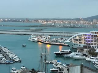 Luxury Marina facing apartment., Gibraltar