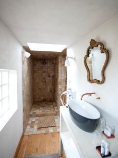 La salle de bain en marbre italien