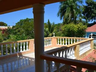 City Villa, big pool. Garden. Ocean View. 4bedrooms. Security. Closed territory.