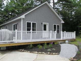 WHITELEYS WHARF | BARTERS ISLAND | LEWIS COVE | WATERFRONT WITH DOCK AND FLOAT | OPEN WRAP-AROUND DECK, Boothbay