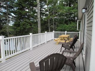 WHITELEYS WHARF | BARTERS ISLAND | LEWIS COVE | PET FRIENDLY | DOCK & FLOAT