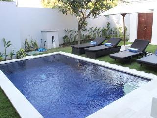 D-Asih Villa | Quite and Simple Villa