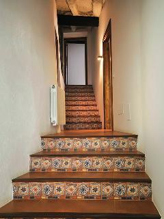escaleras hacia las habitaciones