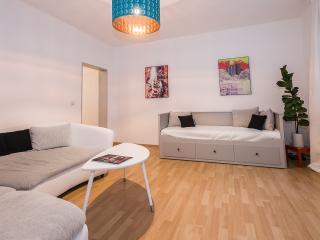 Wonderfull 3Room Apartment at Pasinger Marienplatz, Munique