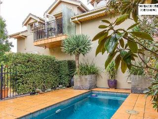Glen Iris Self Cont Apartment for 2, 3 or 4 guests