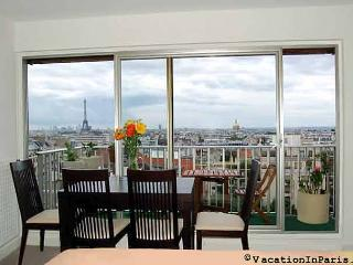 Eiffel Tower Lookout Studio, Vanves
