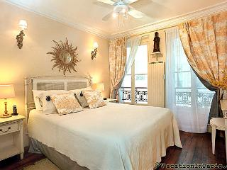 Island Twin II, Luxury Two Bedroom - ID# 191, Paris