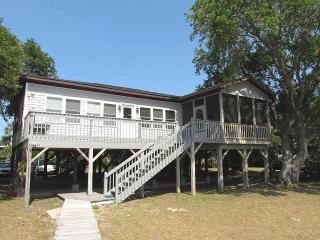 "3516 Palmetto Blvd - ""Beach House"", Isla de Edisto"