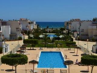 Magnificent beachfront apartment (Naturist Area), Villaricos