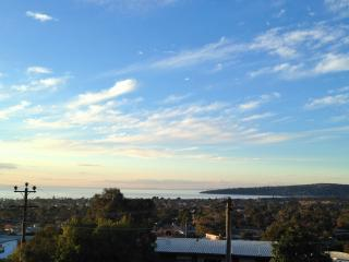 DROMANA HOLIDAY RENTAL.  Breathtaking bay views!, Dromana