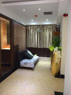 great location apt with 5br 5bathr for 8-16pax, Hong Kong