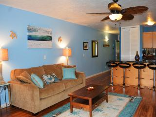 Recently Updated Modern, Comfy Condo at Turtle Bay Resort
