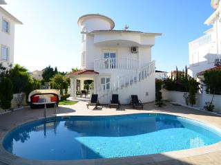 Villa with private pool and garden., Belek