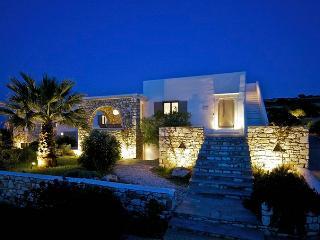 Aiolos Villa-Tranquil Villa in Paros, Ampelas