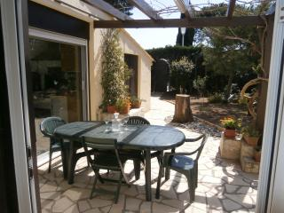 2 Bed Holiday Home with Garden & Pool/Cap d'Agde.