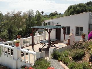 Montana Vista Bougan Villa sleeps 4 shared pool, Álora