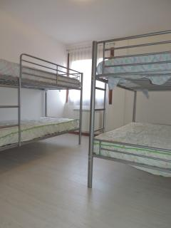 2 literas con 4 camas