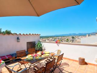 Mallorca traditional holiday village townhouse, Llubi